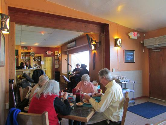Naco, AZ: Restaurant Thanksgiving lunch with music