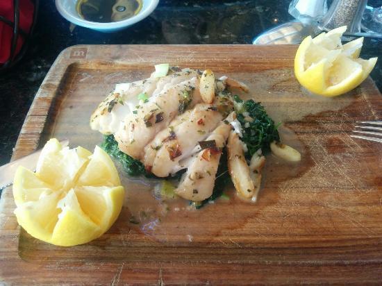 Stella Italianfare La Jolla: Sauteed Halibut with Spinach