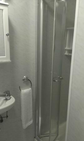 Stanley House: bath room