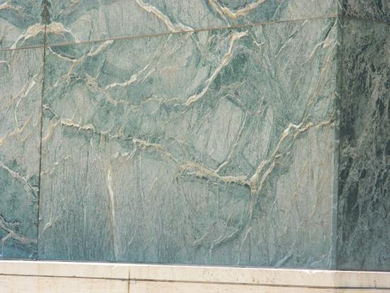 pabellon mies van der rohe revestimiento exterior en mrmol verde - Revestimiento Exterior