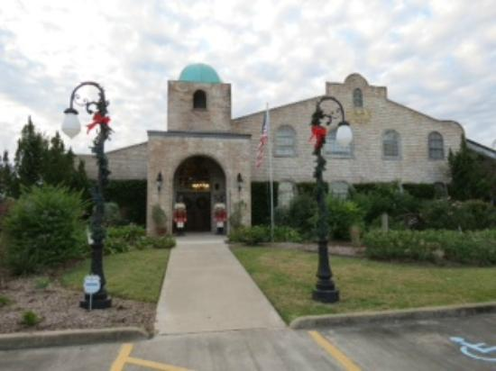 Haak Vineyards and Winery, Inc.: Beautifully decorated for the holidays