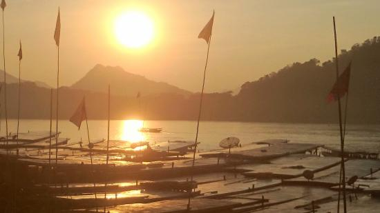 Chanthavinh Resort and Spa: ferry jetty in luang prabang town