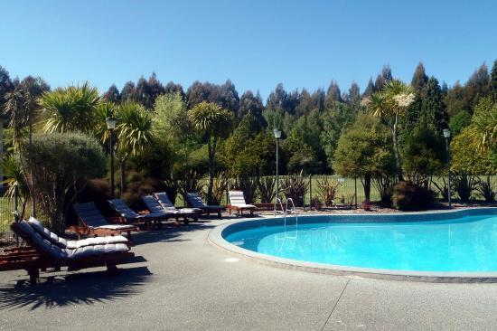 Wairakei Resort Taupo: Top pool area