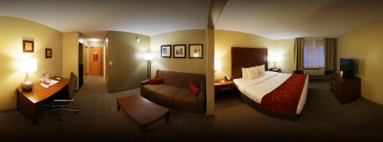 Comfort Suites Airport: Deluxe King Suite Panorama