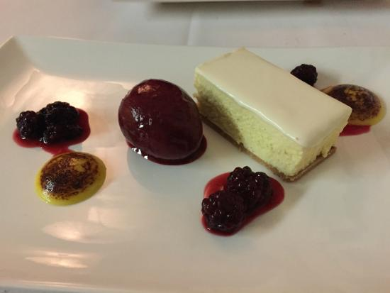 Ashcrofts Bistro: Dessert - Cheesecake