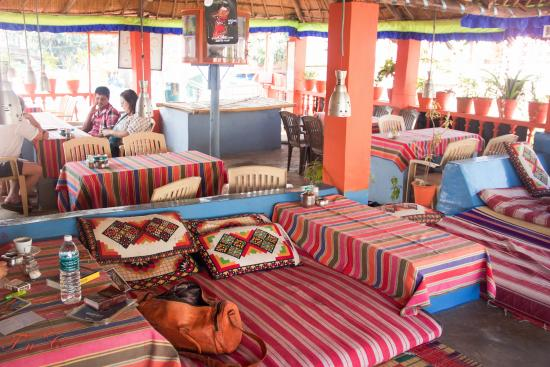 Thilak Home Stay: Restaurant