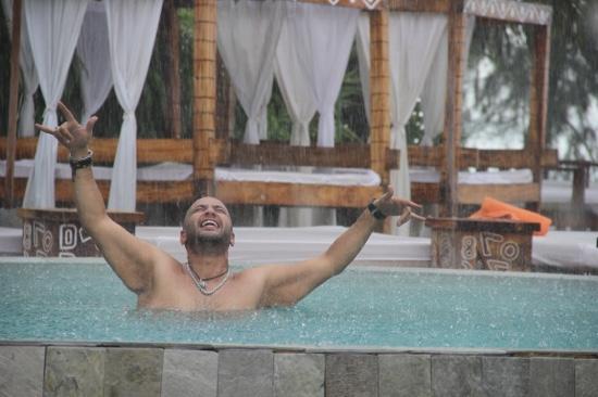 Nikki Beach Resort & Spa : nikki beach pool