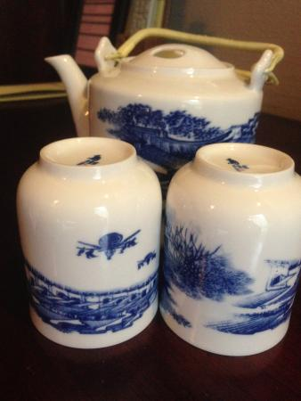 Jinjiang Inn (Tongxiang Wuzhen Town Xizha Scenic Spot): Teapot in the rooms