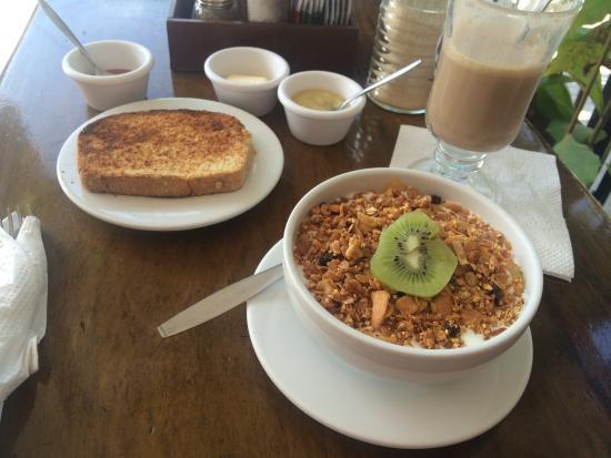 Elements of the Island: Mocha, homemade coconut and banano jam and yummy granola