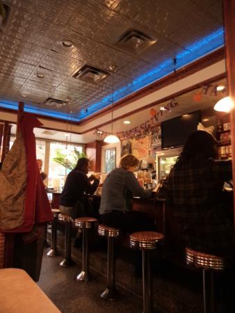 Tom's Restaurant : Tom's resataurant