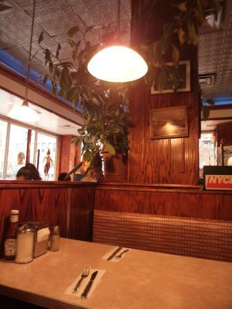 Tom's restaurant