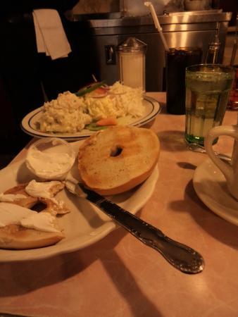 Tom's Restaurant : Salad and bagel