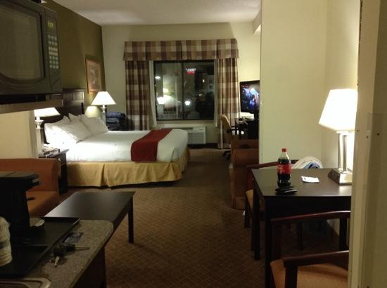 Holiday Inn Express Hotel & Suites - Gadsden: KING SUITE NON-SMOKING SOUTH SIDE