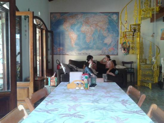 Na Praia Family Hostel & Coworking