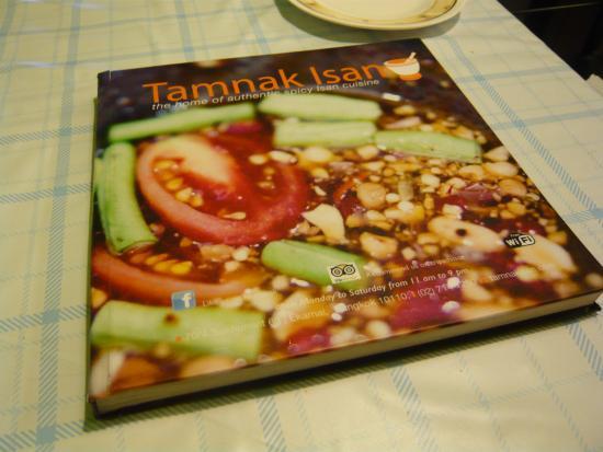 Tamnak Isan: 立派なメニュー帳