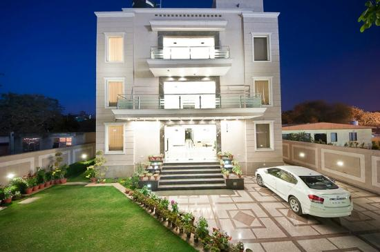 Hotel Aadhar