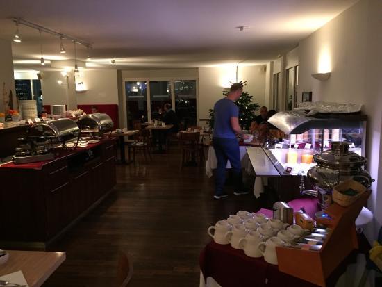 Apart-Hotel operated by Hilton : Frühstücksbuffet
