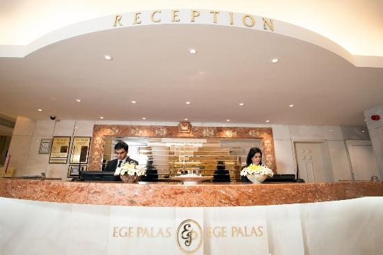 Ege Palas: Reception
