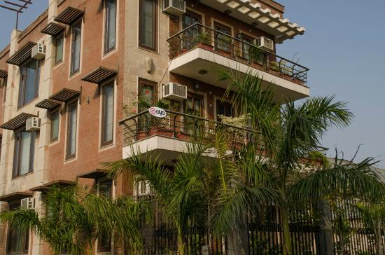La Samrat Manor