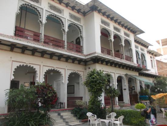 Rangniwas Palace Hotel: Reception & main building area