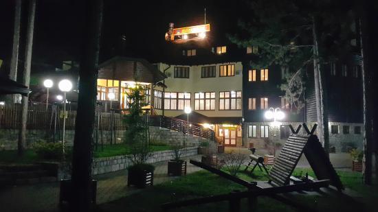 Hotel Zlatiborska Noc: hotel outside