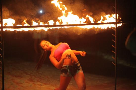 Rich Resort Beachside Hotel : Fire limbo competition!