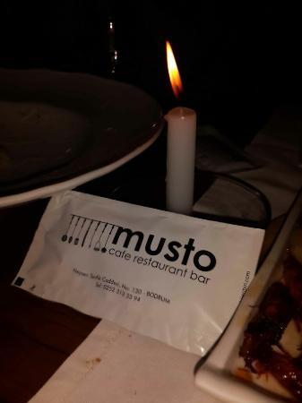 Musto Bistro : Elektriklerin kesildigi bit Bodrum akşamı��
