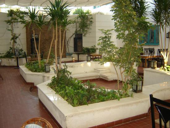 Amira Hotel : Внутренний дворик, ресторан