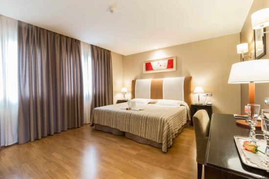 Hotel el patio (la almunia de doña godina, zaragoza): opiniones ...