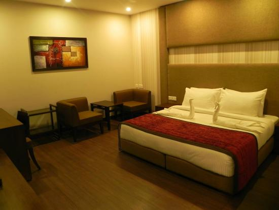 Iconic Hotel Panchkula & ZO Rooms