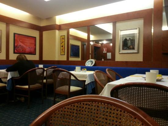 Hotel Igea: Stanza dedicata alla colazione.