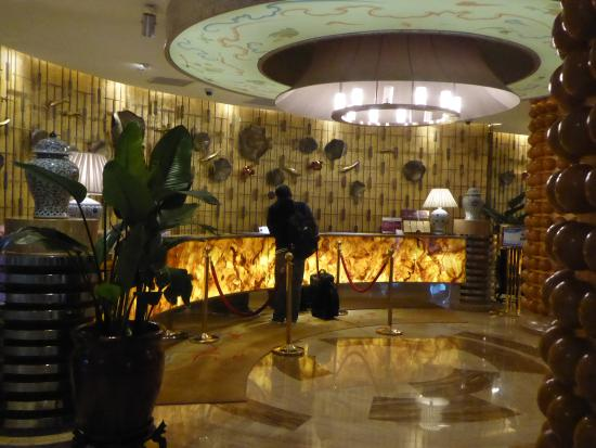 Century Sunshine Hotel: Front Office Counter