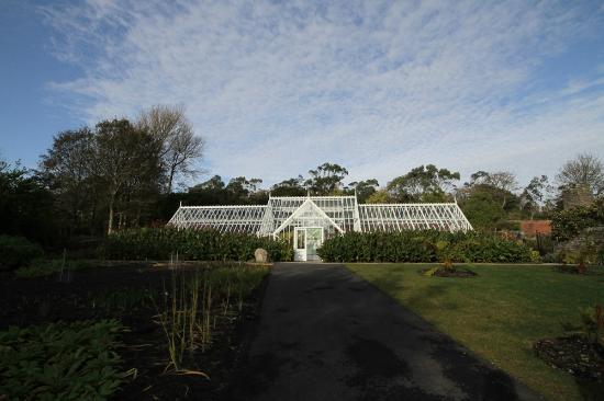 North West Castle Hotel: Logan Botanic Gardens is a 30min drive away