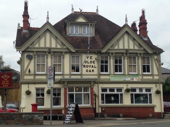Lovely Pub Ye Olde Royal Oak Ystrad Mynach Traveller Reviews Tripadvisor