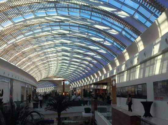 ‪The Mall at University Town Center‬