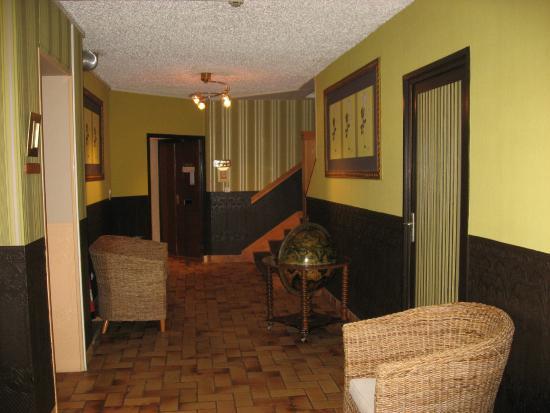 Hostellerie du Mont-Aime : entrée chambres