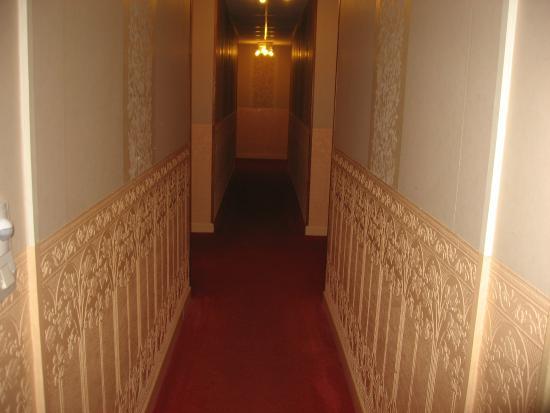 Hostellerie du Mont-Aime : couloir chambres