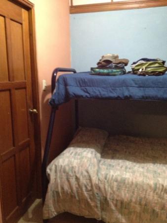 Managua Hostel Ida: bunk bed in small room