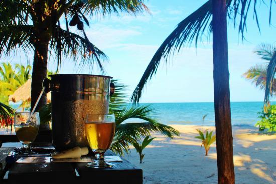 Singing Sands Inn: Belikin beer, on our cabana porch :)