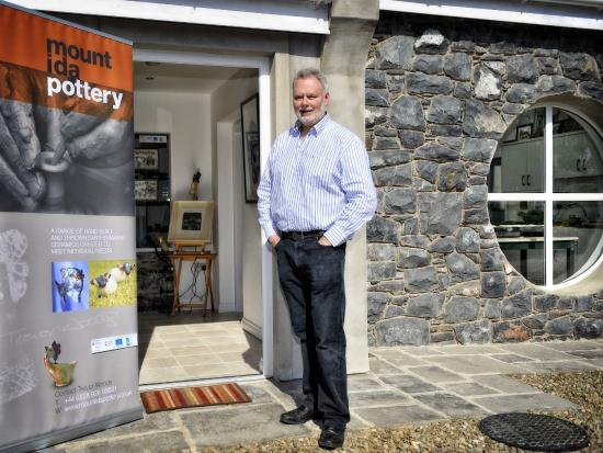 Banbridge, UK: Trevor outside the entrance to Mount Ida Pottery