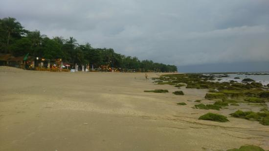 Khlong Khong Beach: Many restaurants on the beach,  the beach style