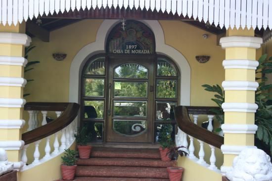 Shanti Morada: Entrance for lobby