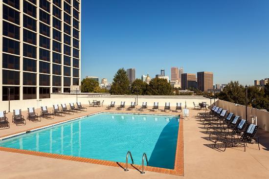 Ramada Plaza Atlanta Downtown Capitol Park : Ramada Plaza Atlanta Downtown Roof Top Pool area