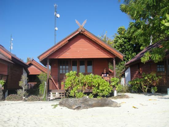 Lipe Power Beach Resort: Sea front bungalow