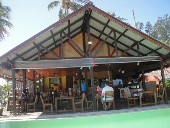 Lipe Power Beach Resort: Breakfast area