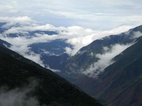 Lancang river Canyon: Das Mekong-Tal am Meili Xue Shan, hier 1100 m tiefer