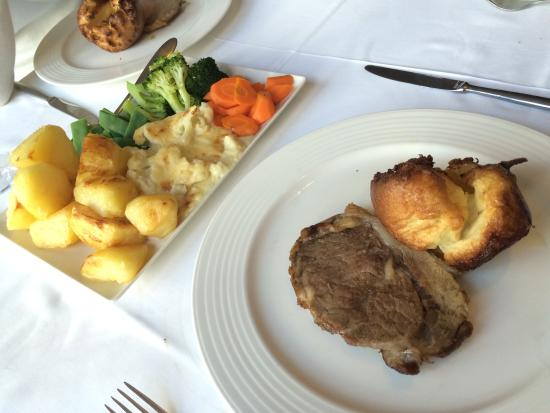 Los Laureles : Roast Beef Sunday lunch