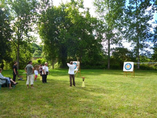 Moncrabeau, France : terrain de jeux