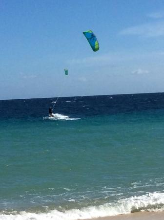 Hotel Playa Del Sol: Husband kitesurfing in front of hotel - perfect location