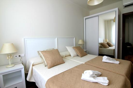 ClassBedroom: FIRA BUSINESS APARTMENT